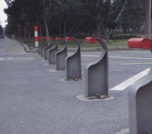 太仓动物园入口固定挡车柱(正面)